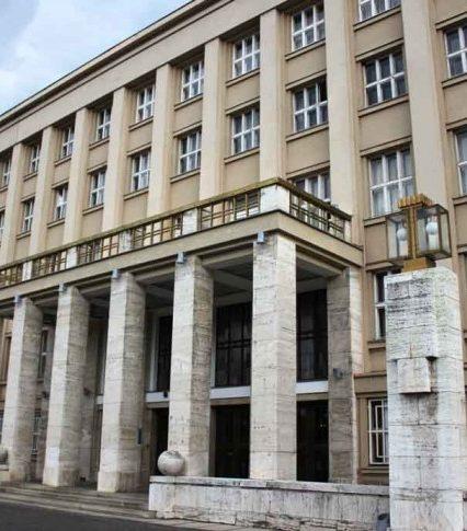 До нового складу Закарпатської обласної ради пройшло лише 22 чинних депутатів