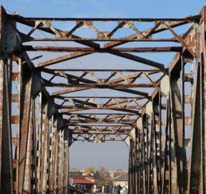 Що робити зі старим буштинським мостом?