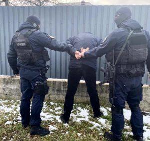 Закарпатські поліцейські заблокували канал постачання в регіон особливо небезпечних психотропів