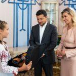 Володимир та Олена Зеленські зустрілися з родиною Тетяни Тулайдан, яка врятувала чотирьох дітей під час повені на Рахівщині