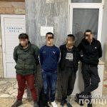 Група молодиків побила і пограбувала мукачівця. Нападників затримано