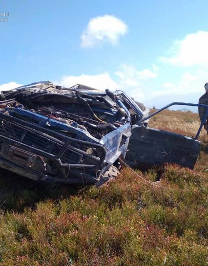 """Небезпечний """"джипінг"""": бійці ДСНС транспортували травмованих автомобілістів-екстремалів (фото)"""